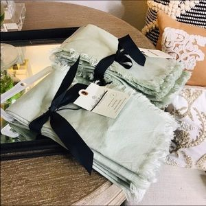 Hearth and hand Green Napkins 8 total